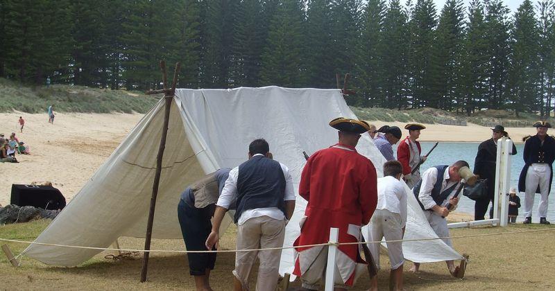 erecting.tent.jpg & Norfolk Island Trip/erecting.tent